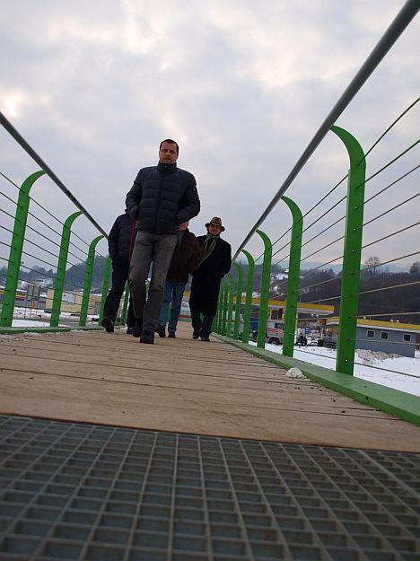 Do Priekopy sme vošli cez novozrekonštruovanú lávku cez Turiec.