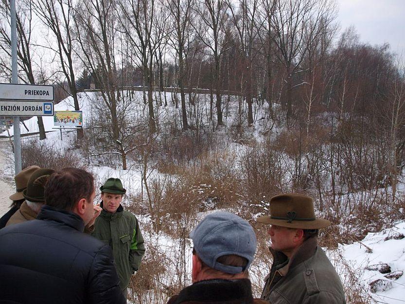Primátor prisľúbil urbáru pomoc pri ich snahách o vybudovanie protipožiarnej cesty.