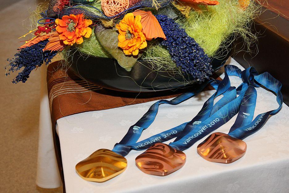 Medaile z paralympiády Vancouver 2010.