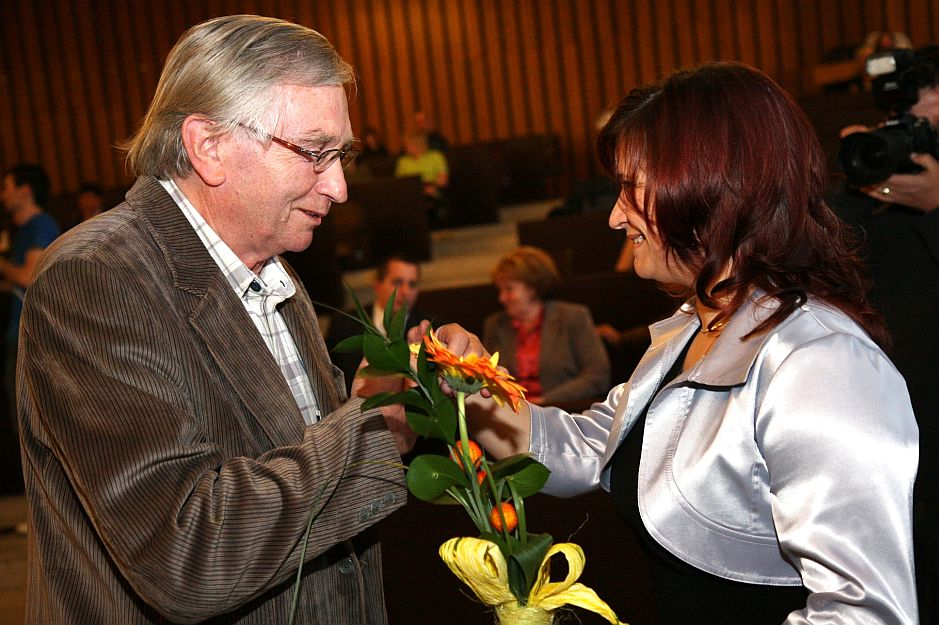 Cenu prebral PhDr. Augustín Maťovčík.