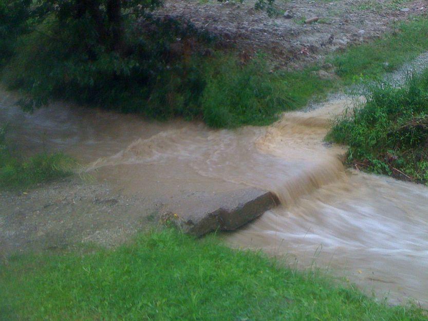 Normálne preteká voda 1m pod týmto mostom.